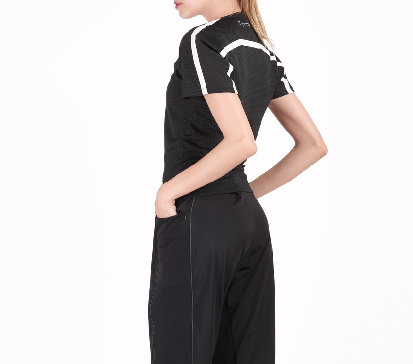 Tee shirt in breathable mesh